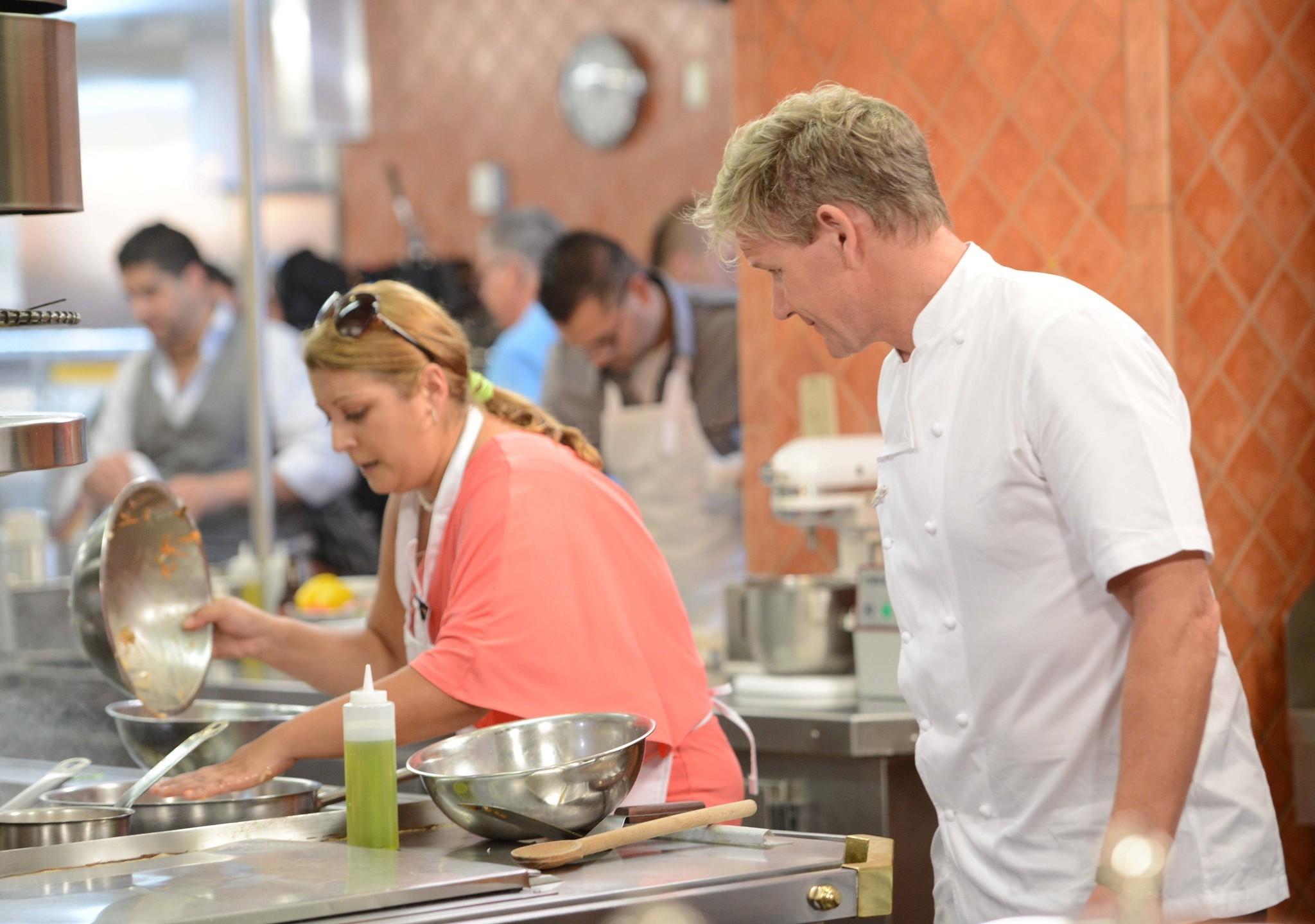 hells kitchen holding casting call in chicago next week chicago tribune - Hells Kitchen Fox