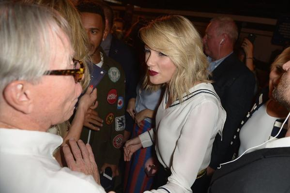 Fashion designer Tommy Hilfiger and Taylor Swift attend the #TOMMYNOW women's fashion show during New York Fashion Week. (Getty Images)