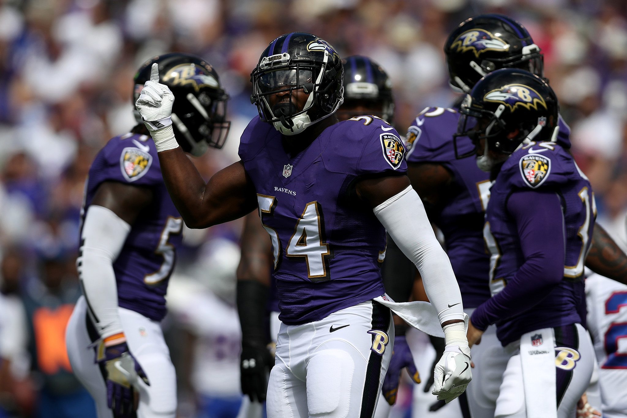 Bal-inside-linebacker-zachary-orr-is-looking-to-build-on-first-career-start-for-ravens-20160915