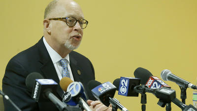 Amid jeers, Chicago State pays president $600,000 to leave, names interim leader