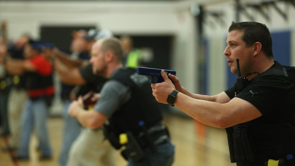Chicago police rolling out new, mandatory 'de-escalation' training