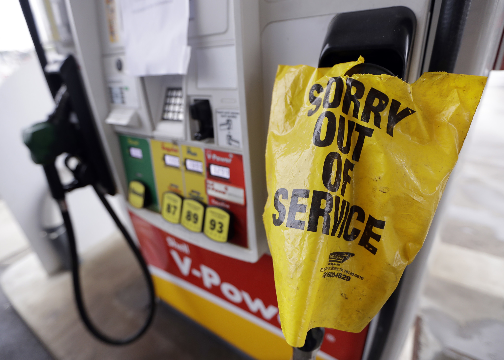 gas prices jump in the southeast after pipeline rupture in alabama la times