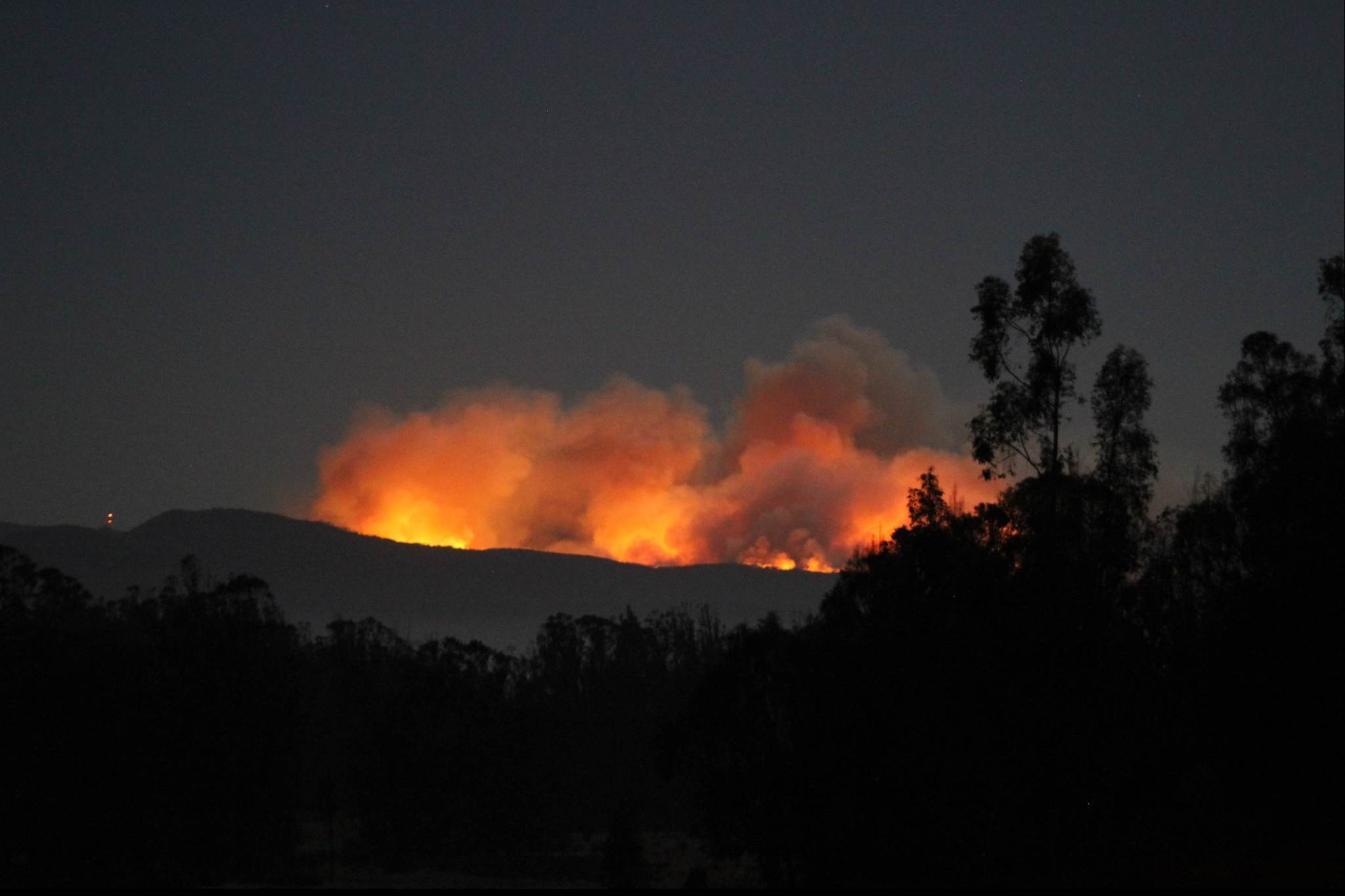 central california wildfire swells to 4 500 acres at vandenberg air force base la times