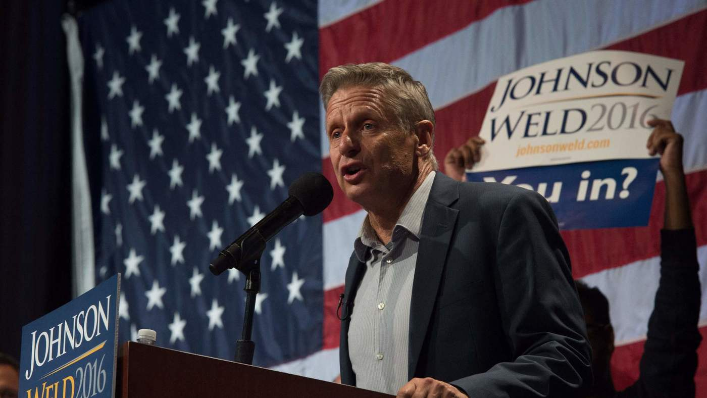 Libertarian presidential candidate Gary Johnson speaks to supporters at a rally this month in New York. (Bryan R. Smith / AFP)
