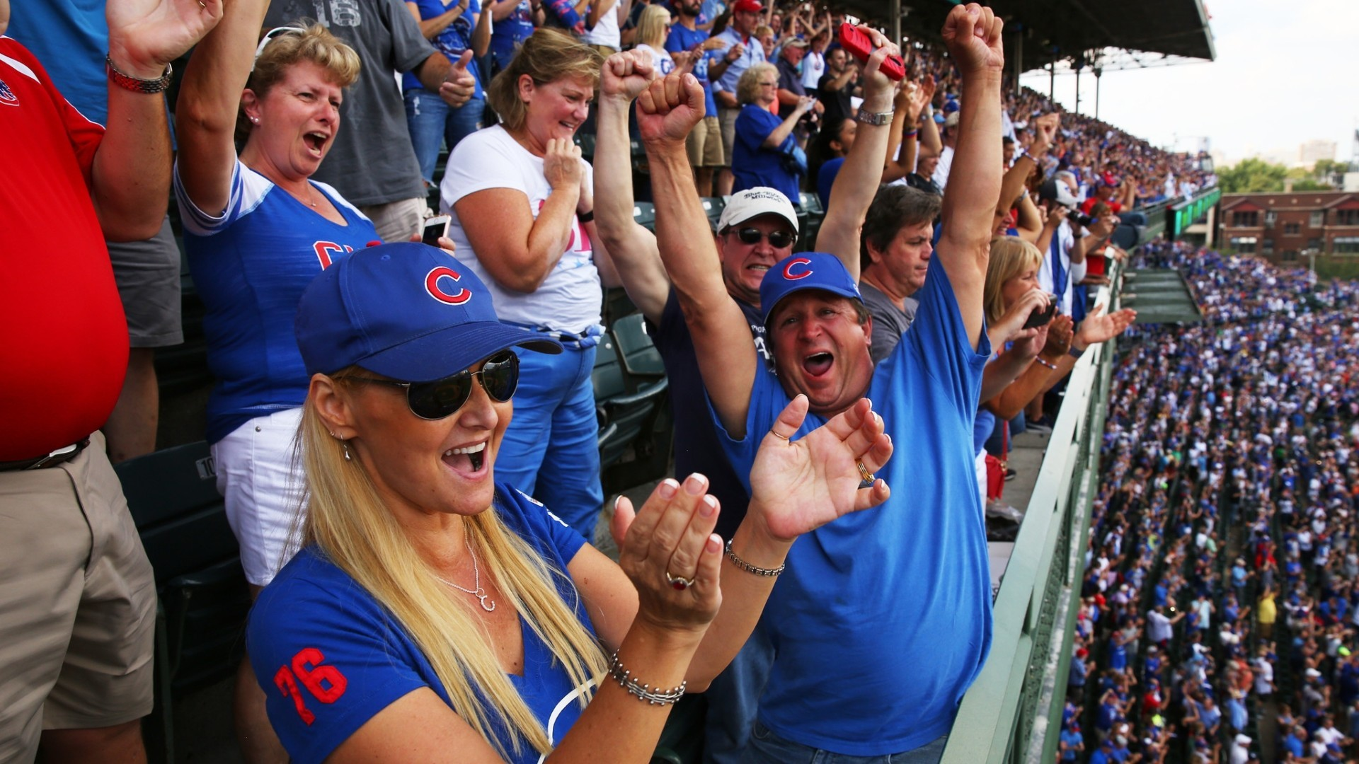Ct-so-chicago-cubs-wrigley-field-video-20160922