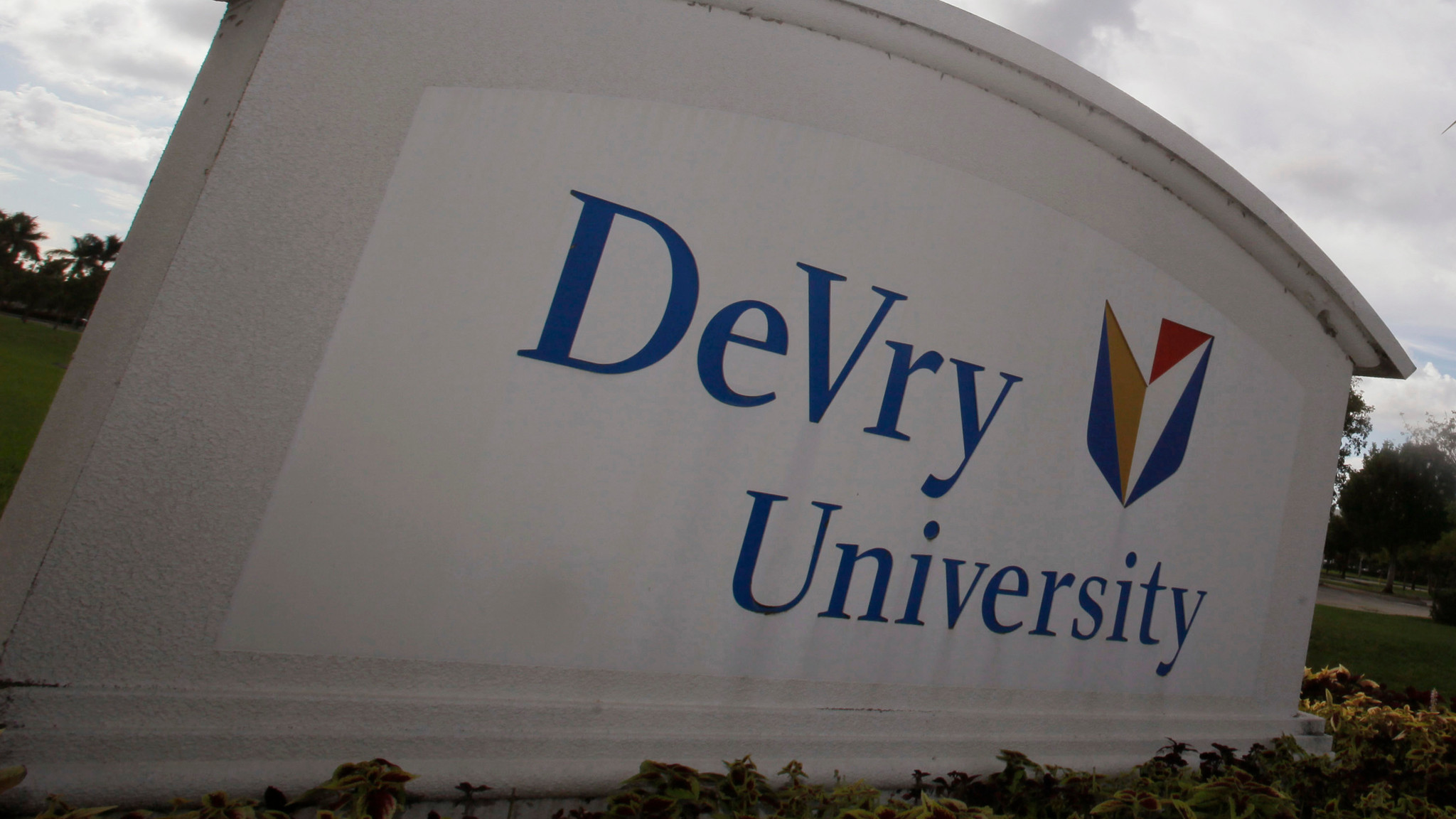 Enrollment is tanking at the University of Phoenix DeVry and other