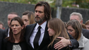 Jim Carrey's lawyer responds to 'bogus, desperate' accusations that actor gave late girlfriend STDs