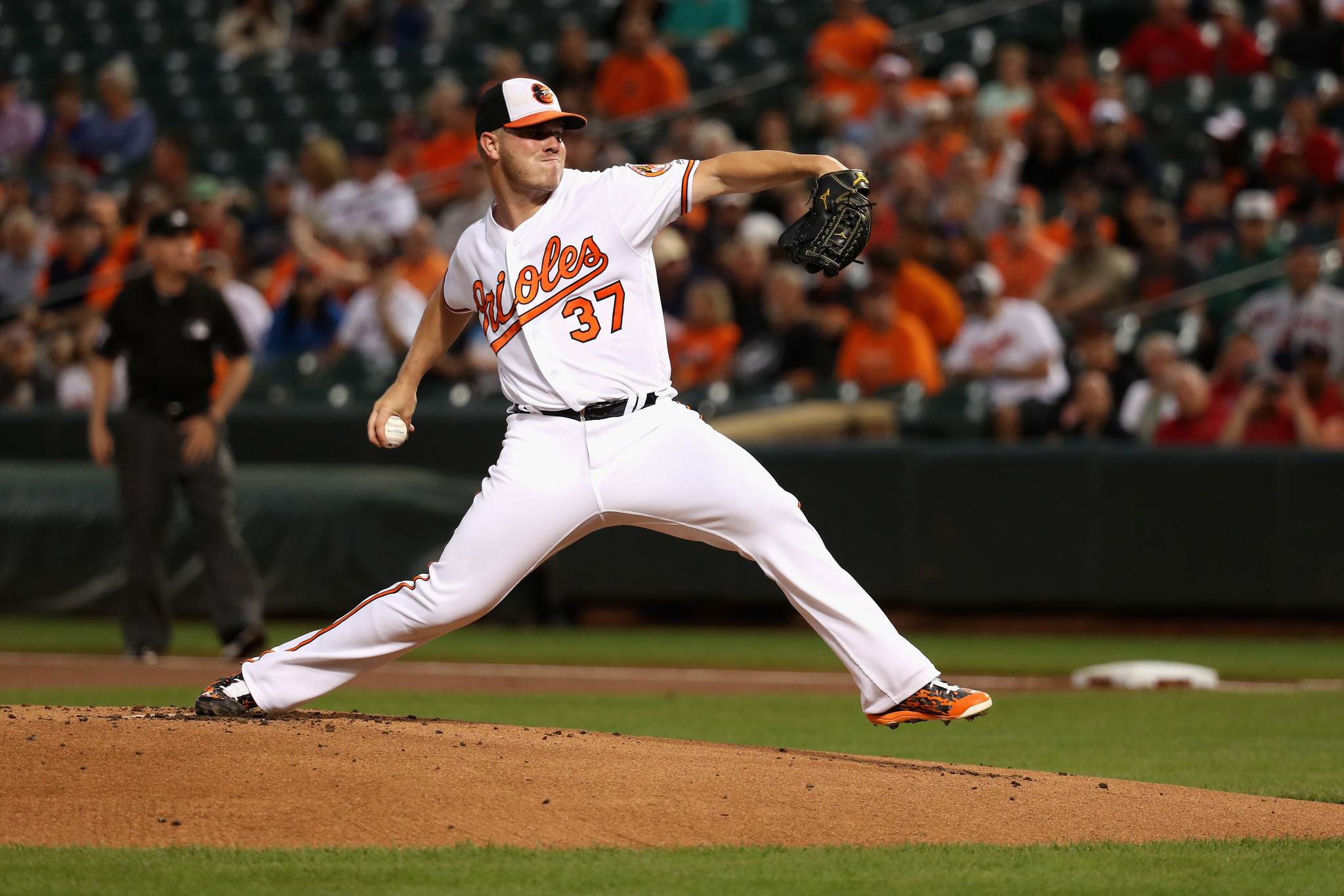 Bal-orioles-dylan-bundy-still-prioritizing-health-but-wants-to-add-cutter-back-to-repertoire-20160924