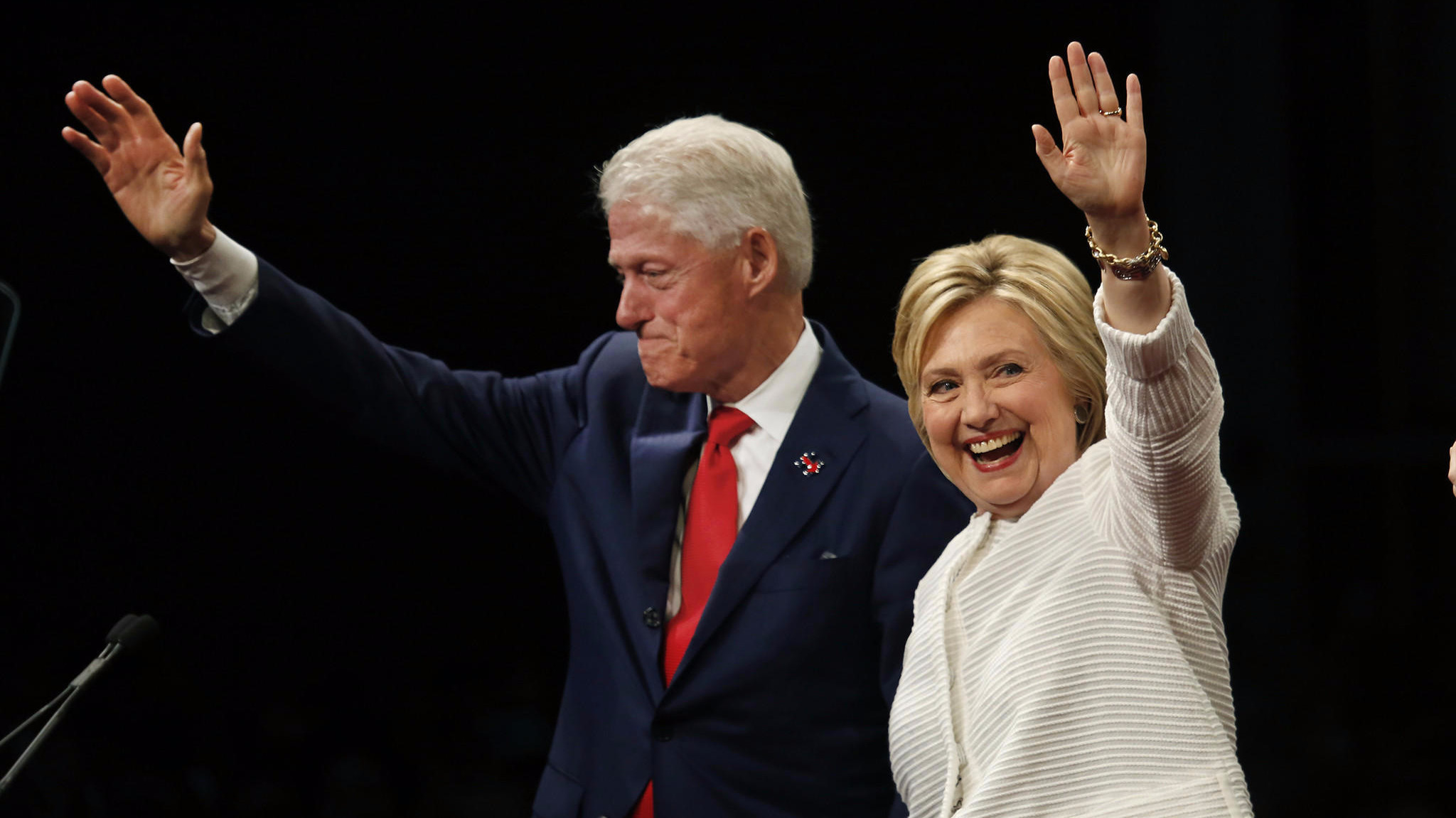 bill and hillary clinton buy the house next door their