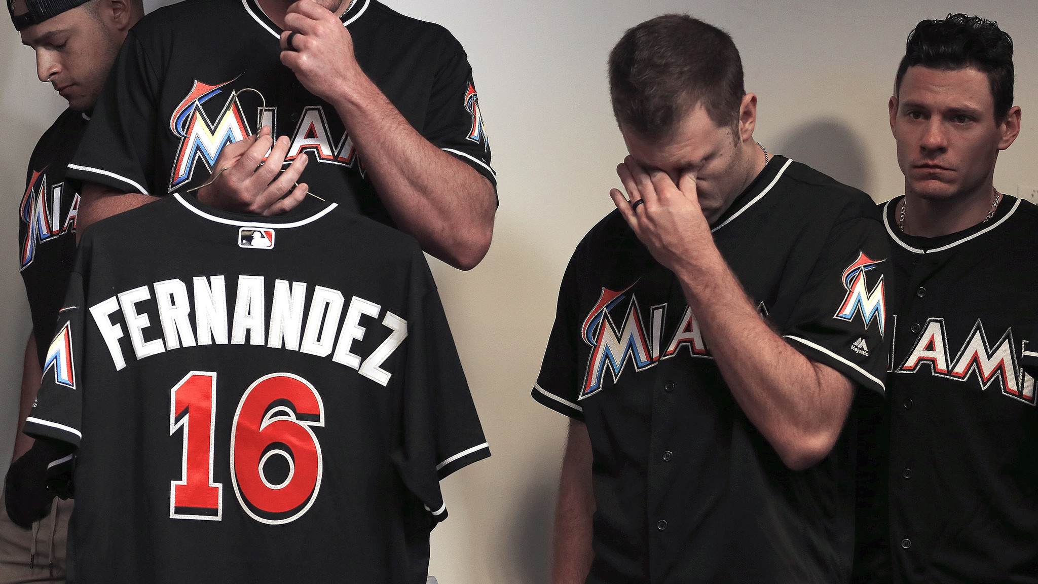 Sfl-marlins-wear-no-16-jerseys-honor-jose-fernandez-20160926