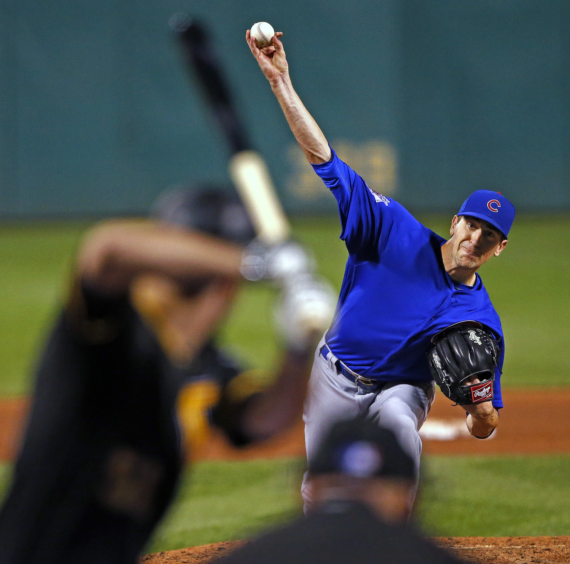 "Cubs' Joe Maddon receives ""green"" education from Kyle Hendricks - Chicago Tribune"