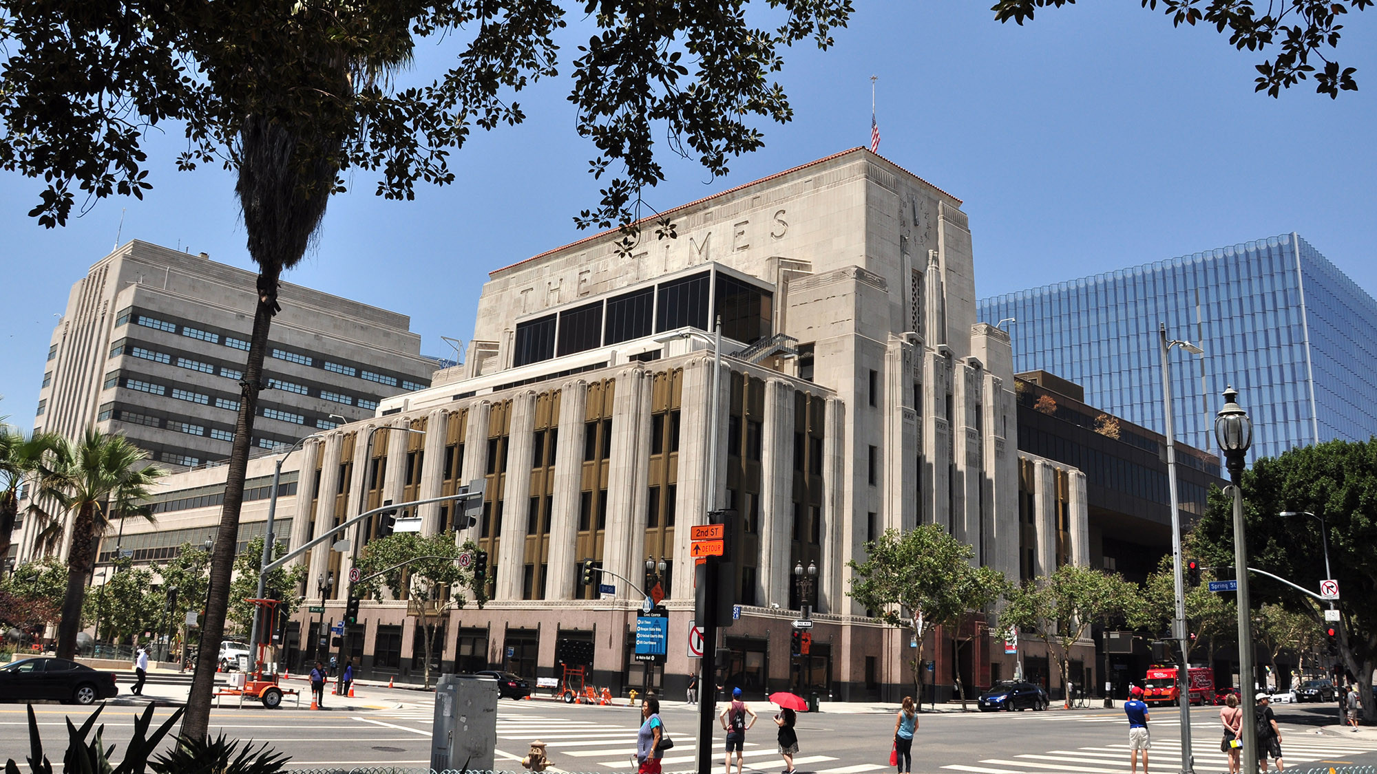 los angeles times building sold to canadian developer