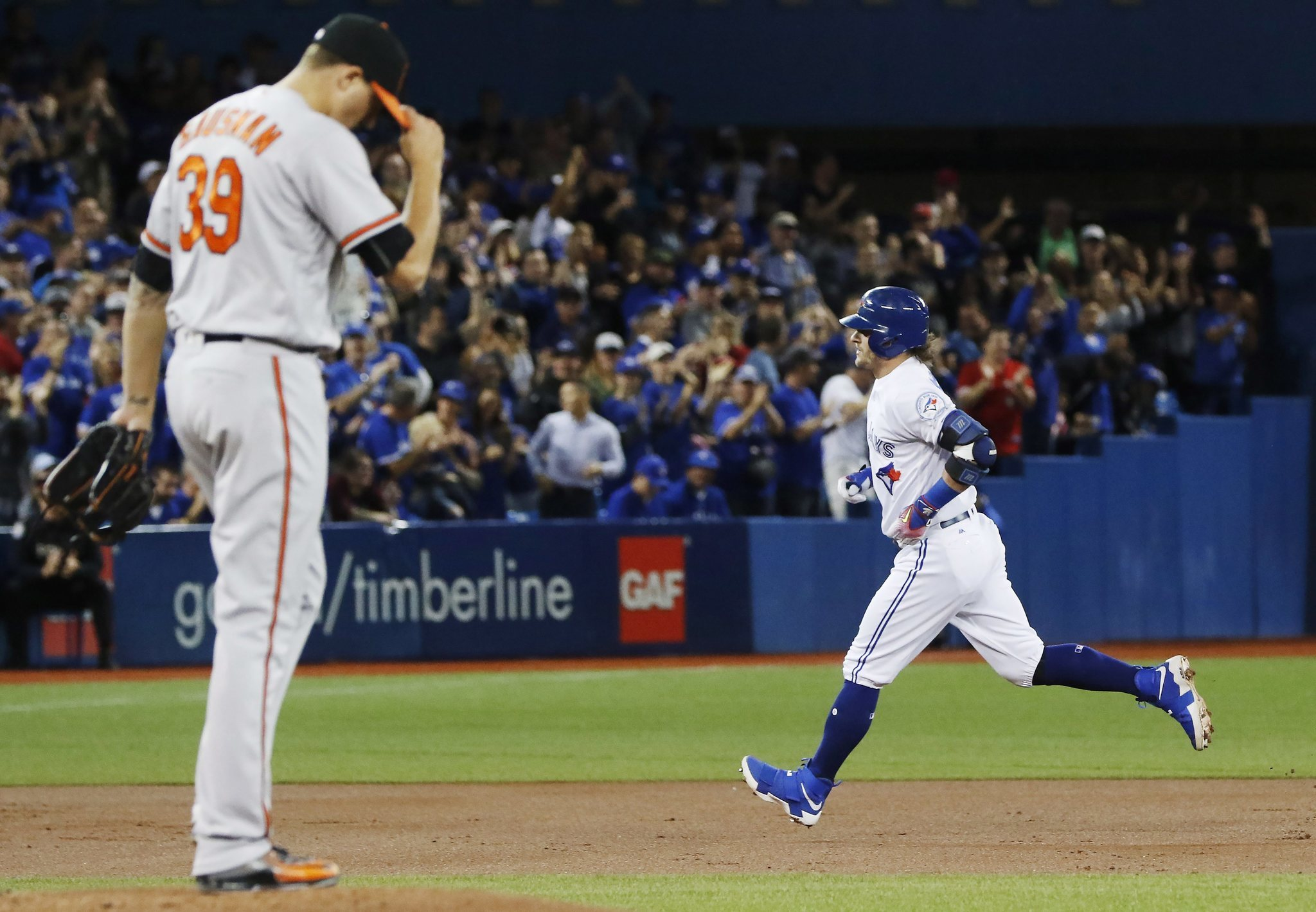 Bal-orioles-blue-jays-games-in-toronto-no-longer-your-typical-slugfests-20160927