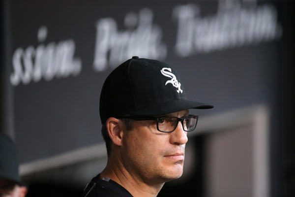 Ct-white-sox-robin-ventura-retained-report-20160928