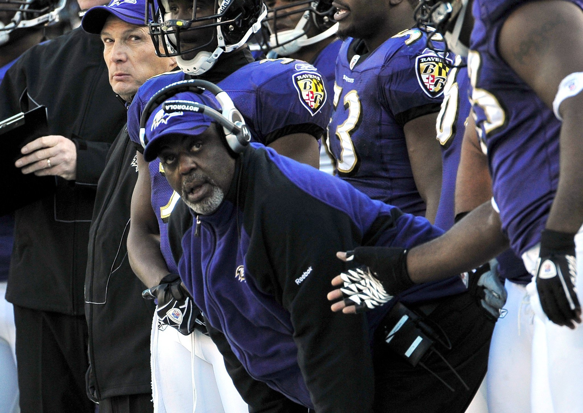 Bal-ravens-bade-farewell-to-former-defensive-line-coach-clarence-brooks-20160928