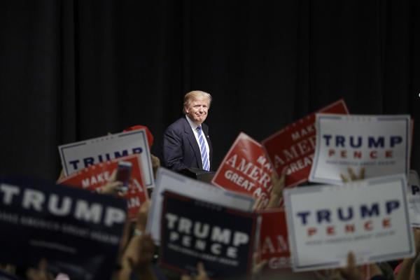 (John Locher / Associated Press)