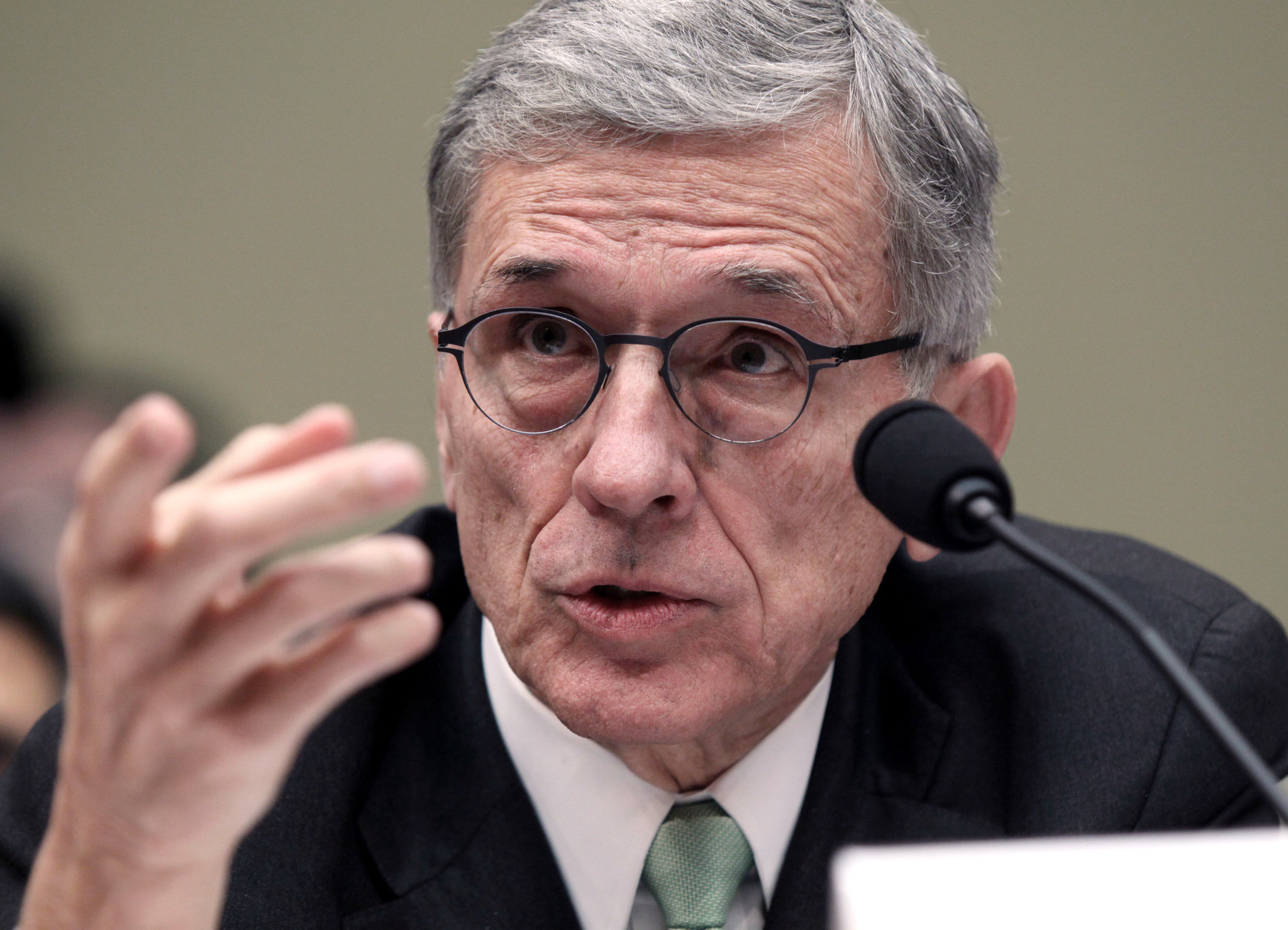 FCC delays action on proposal to bypass set-top boxes - LA Times