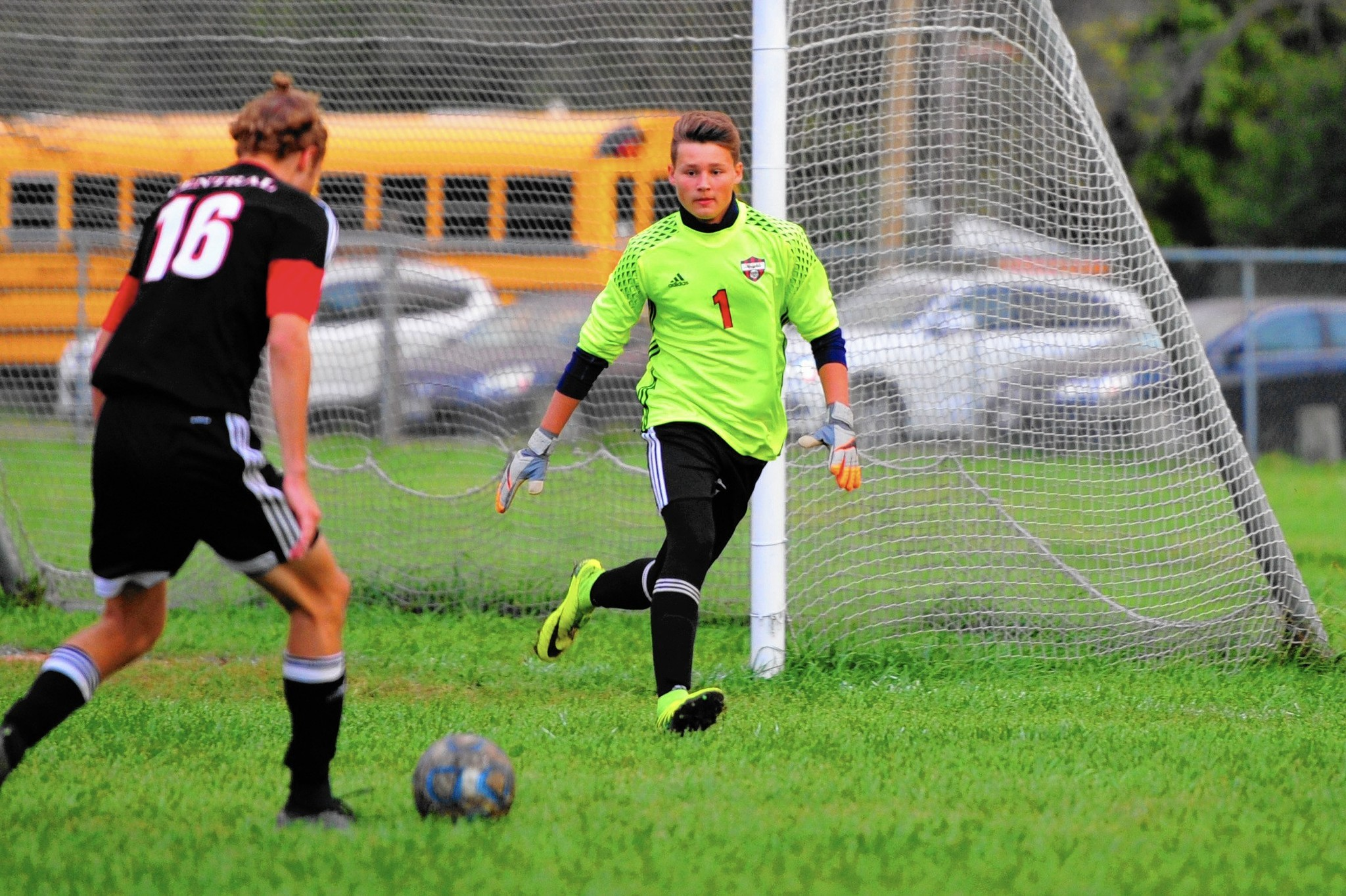 Ct-sta-boys-soccer-lincoln-way-central-thornton-st-0930-20160929