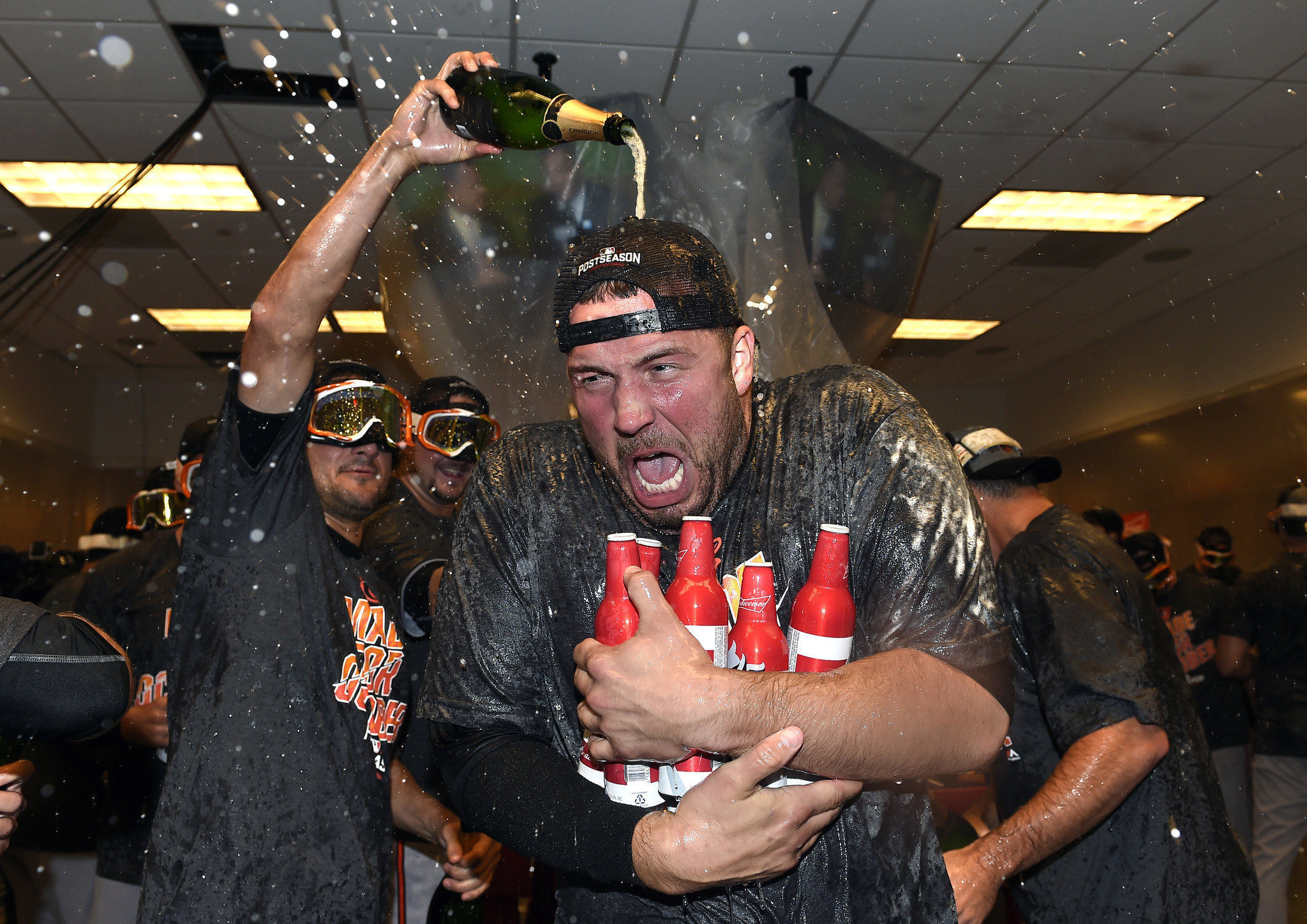 Bal-tommy-hunter-masn-f-bombs-orioles-clubhouse-20161003