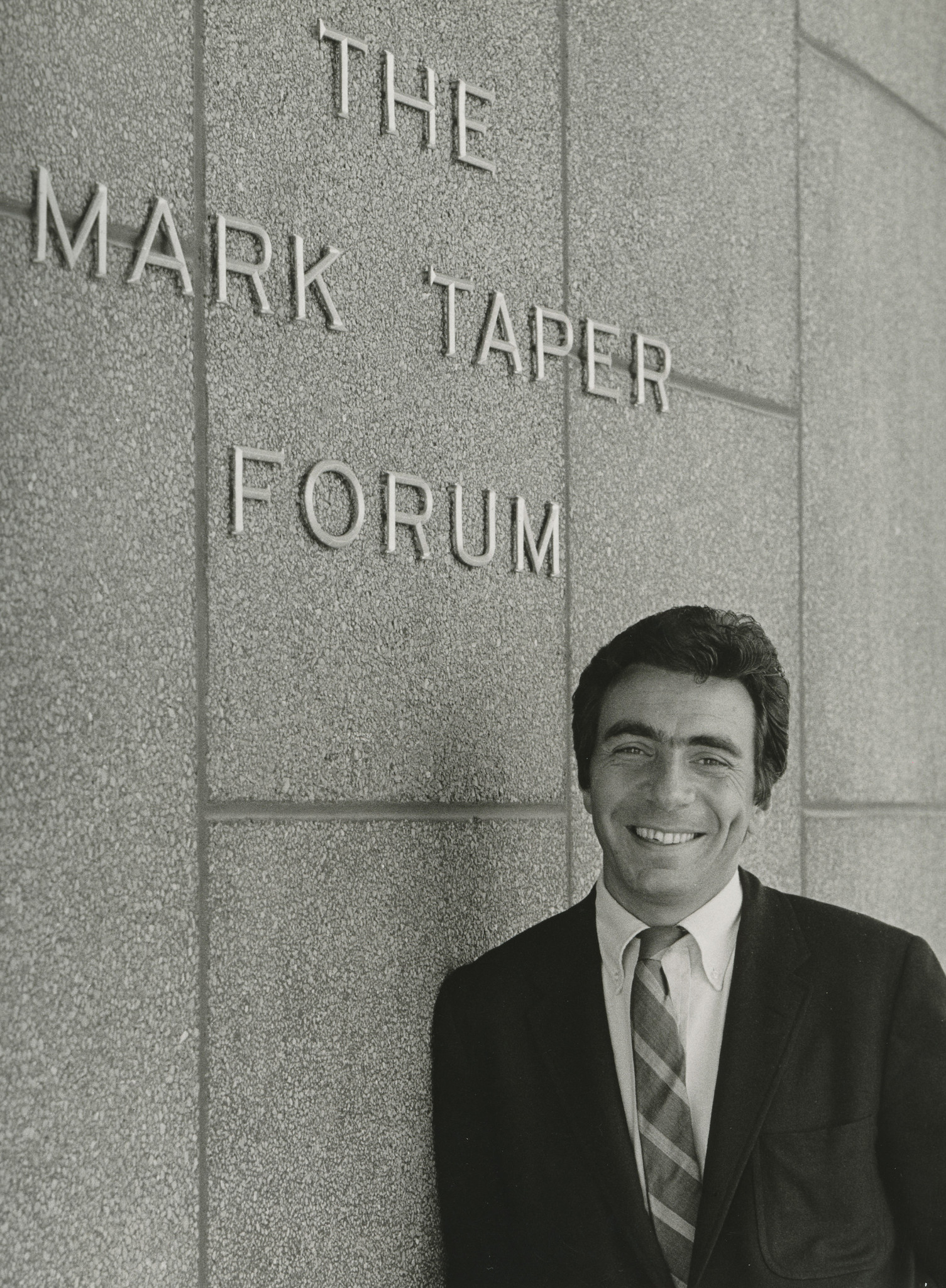 Gordon Davidson in an early year of his Mark Taper Forum tenure.