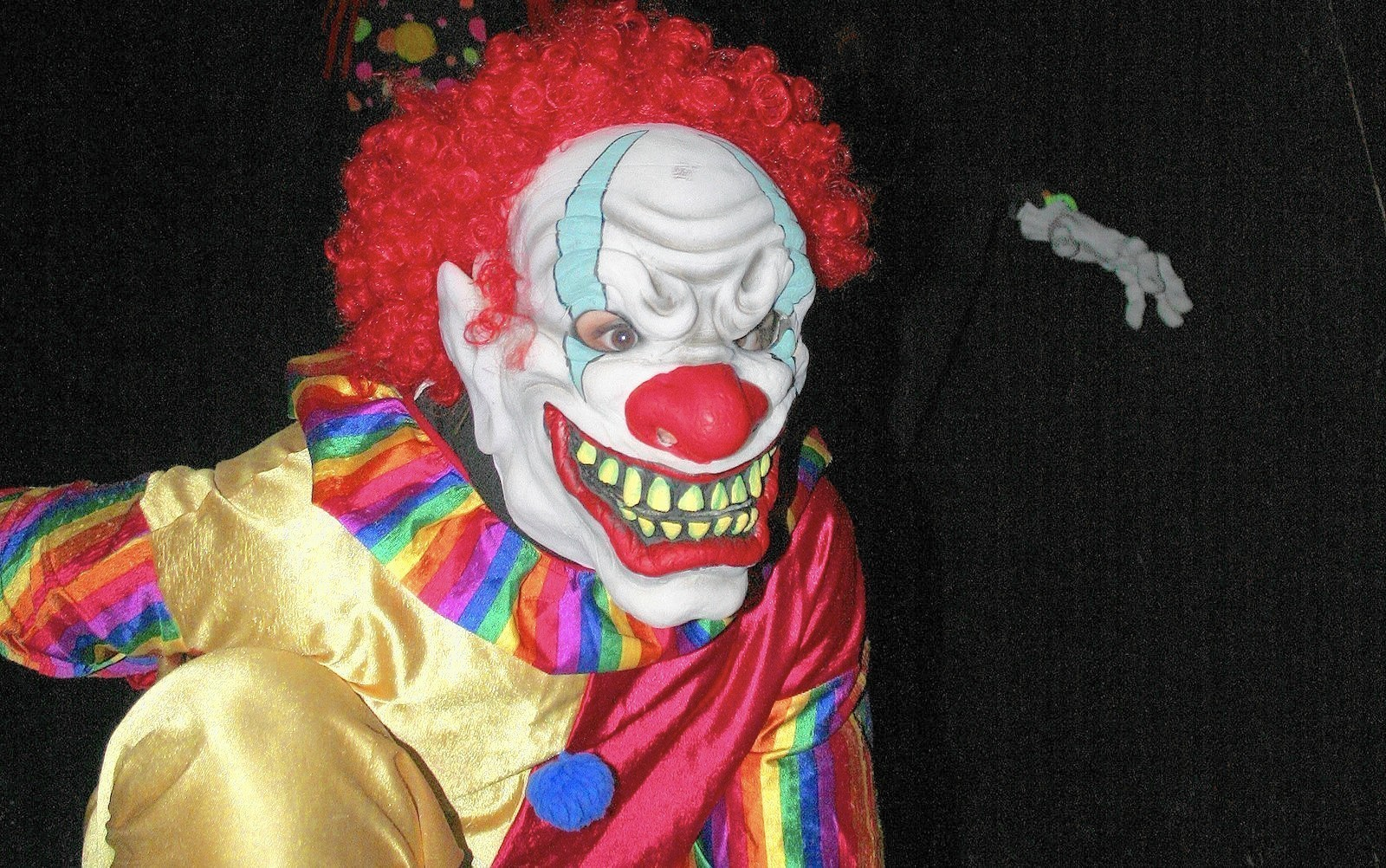 national creepy clown phenomenon hits lake county lake county