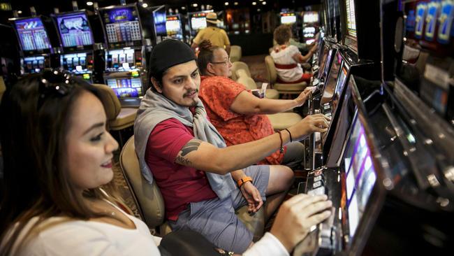 Las vegas casino with coin slots casino kickapoo texas