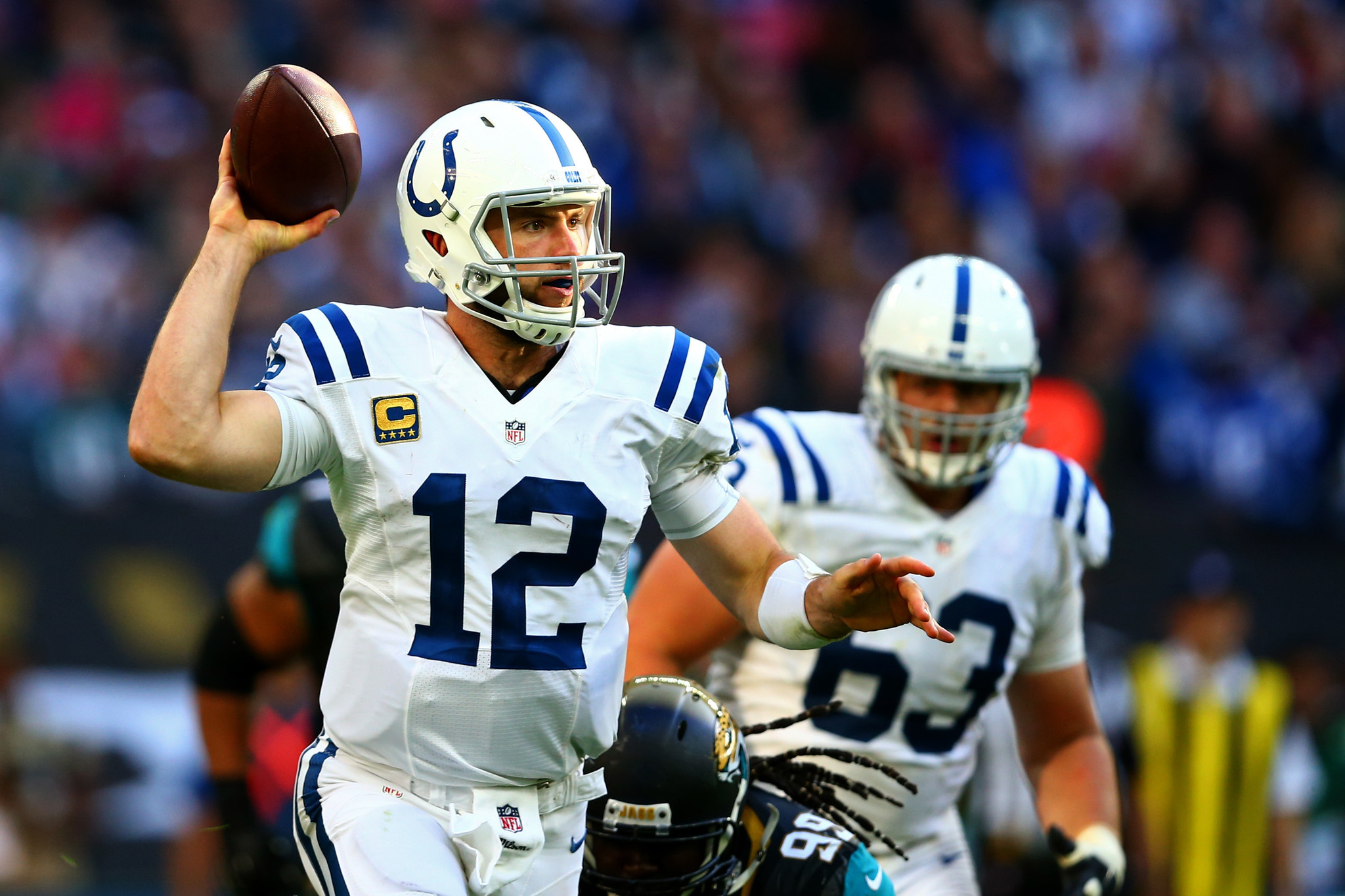Ct-andrew-luck-bears-colts-huddle-up-spt-1008-20161007