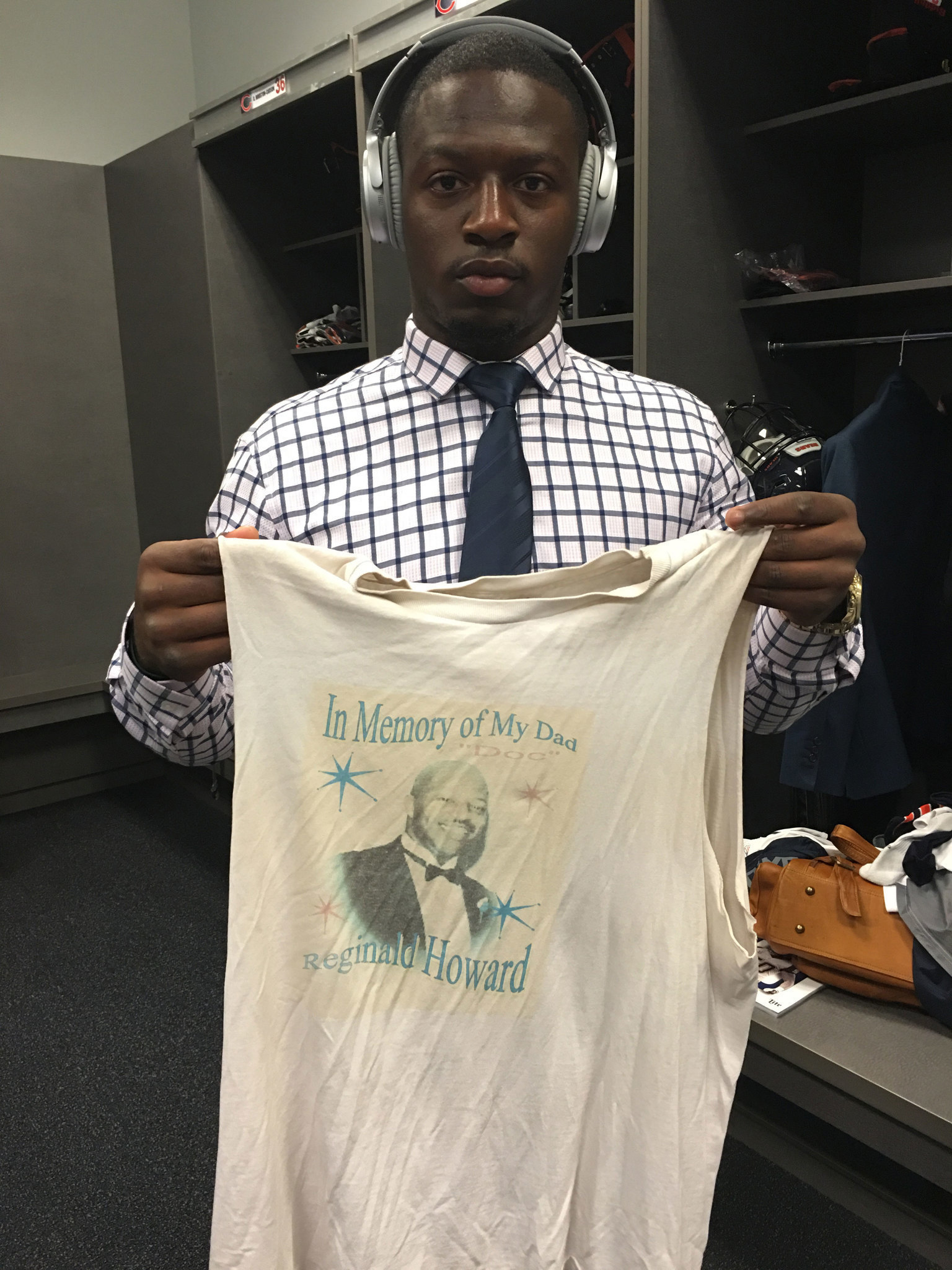 Bears  Jordan Howard honors late father with quiet determination - Chicago  Tribune 5c4da8002134