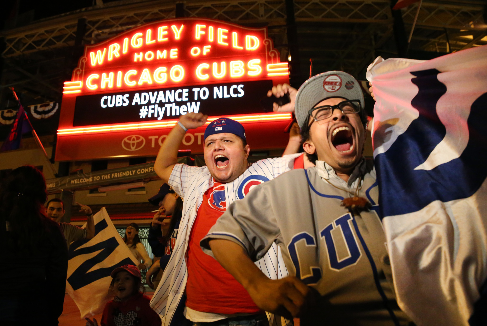 Cubs fans celebrate NLDS win in Wrigleyville Chicago Tribune
