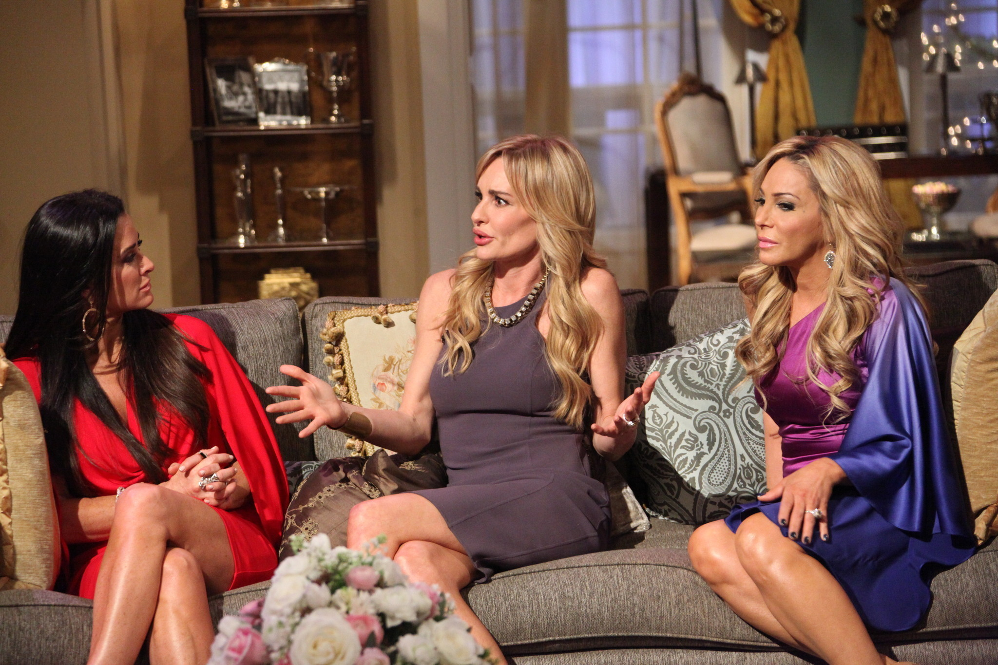 Pop Culture: Entertainment and Celebrity News, Photos Real housewives of beverly hills taylor abuse pictures