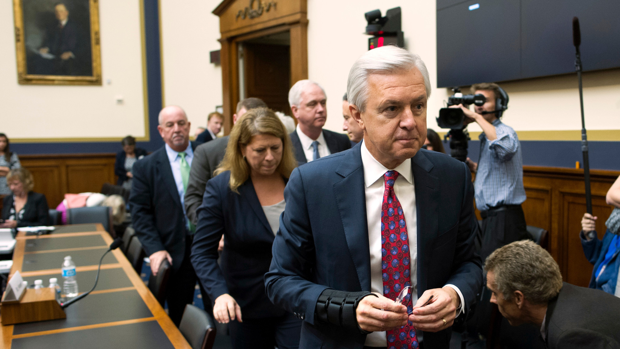 wells fargo needs to change more than just its ceo la times