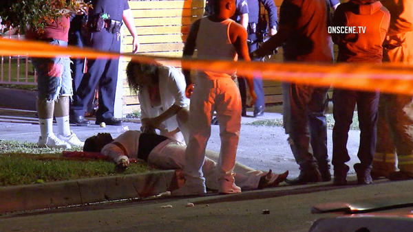 Three dead and 12 wounded after gun battle in West Adams