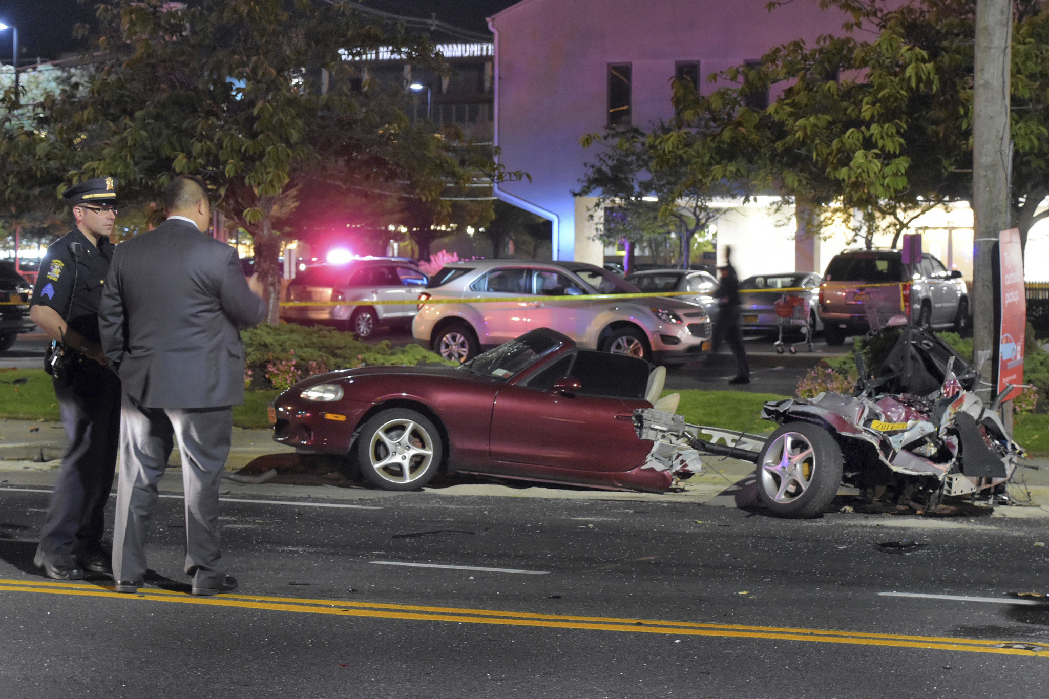 Car Split Completely In Half In Crash Everyone Survives Chicago
