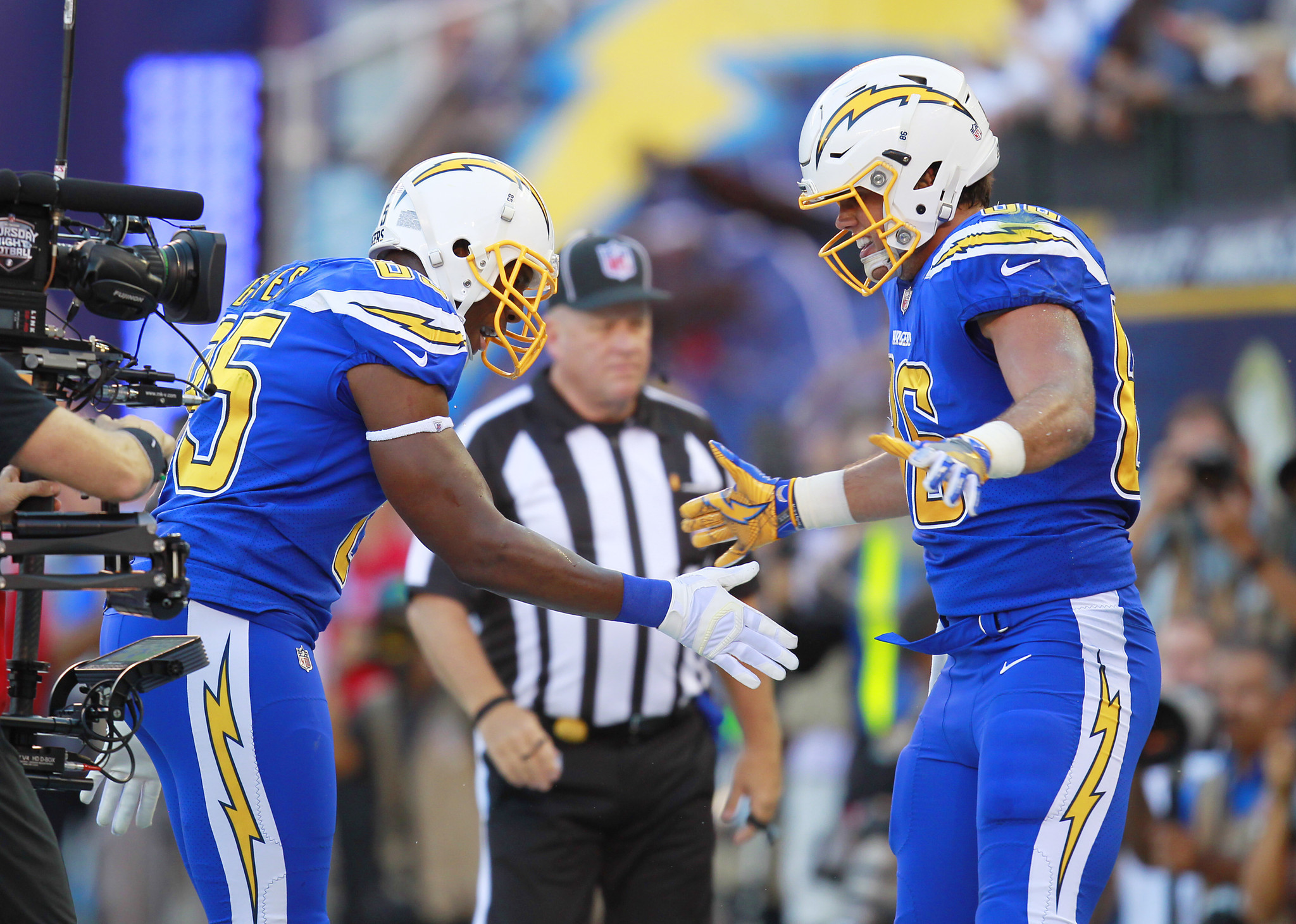 Sd-sp-chargers-gates-henry-toomer-20161017