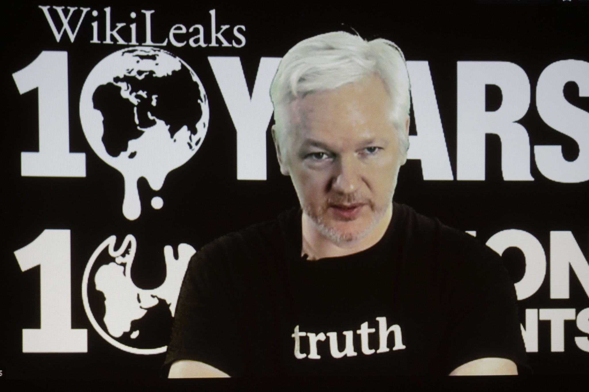 one big reason the wikileaks emails aren t as damaging for hillary one big reason the wikileaks emails aren t as damaging for hillary clinton donald trump la times