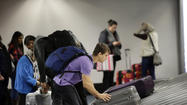 Airlines must refund bag fee if your luggage is delayed, Obama administration says