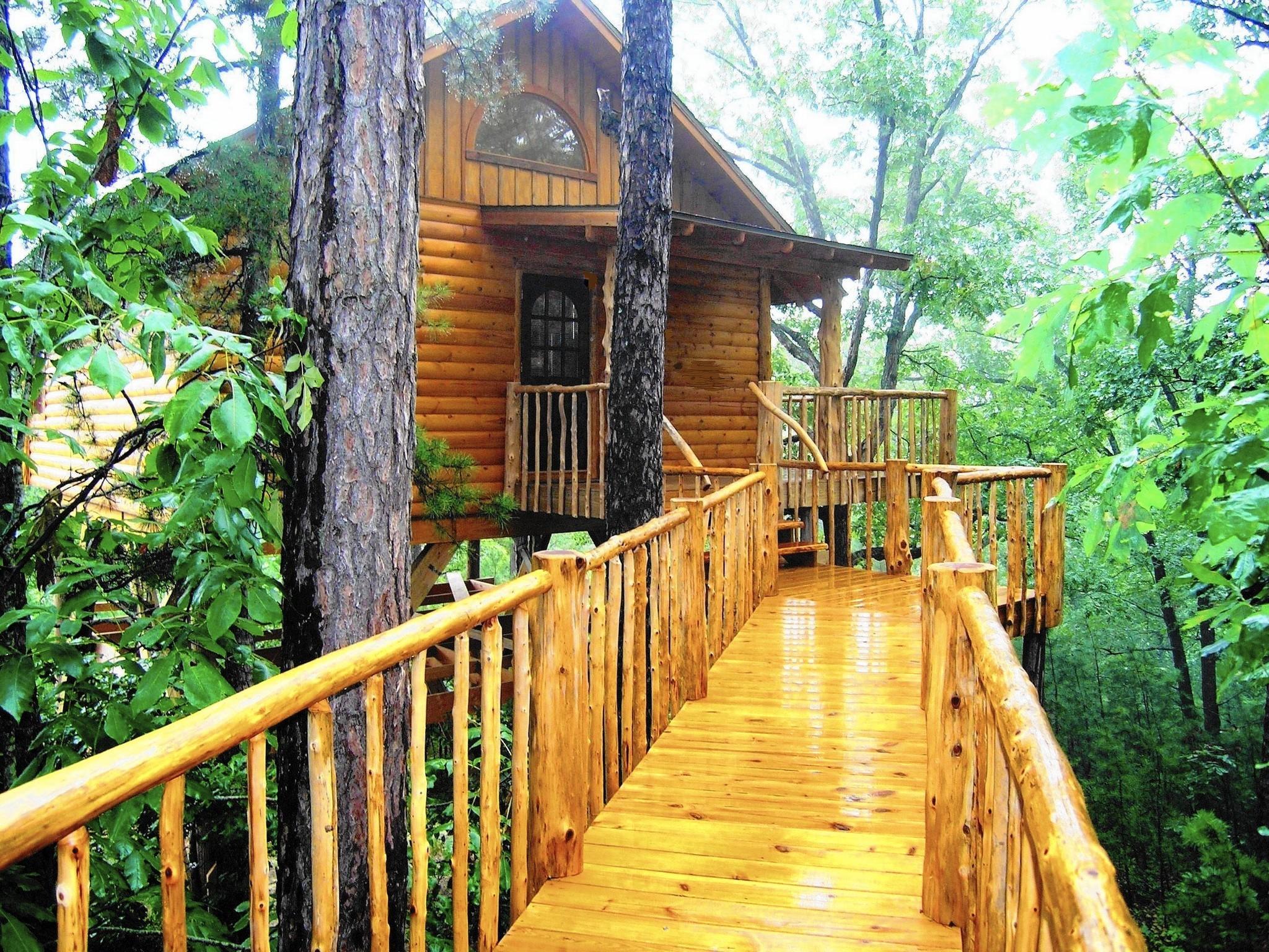 cottage cottages trulia for eureka springs breezy ar p pt sale