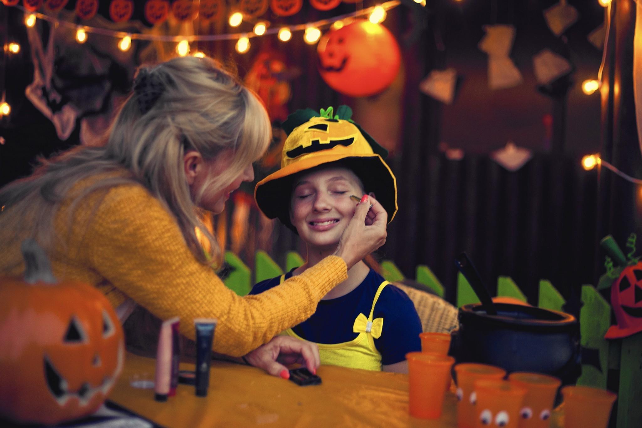 My kidsu0027 stepmom made their Halloween costumes and thatu0027s more than OK - Chicago Tribune  sc 1 st  Chicago Tribune & My kidsu0027 stepmom made their Halloween costumes and thatu0027s more than ...