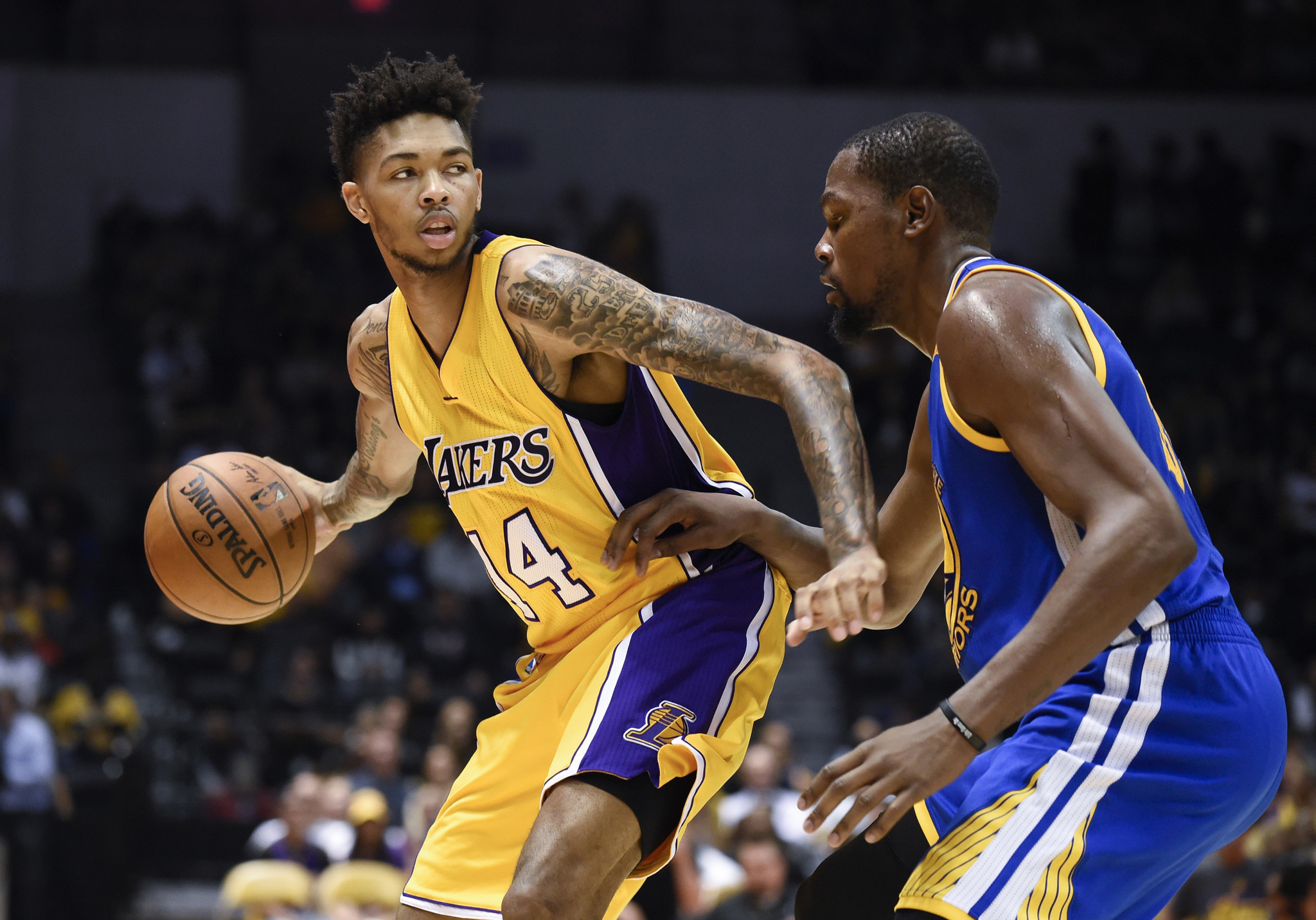 defence against golden state warriors lakers ile ilgili görsel sonucu