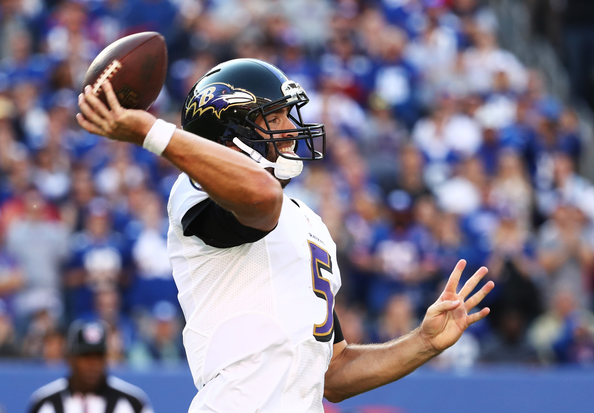 Bal-joe-flacco-is-active-but-missing-from-warm-ups-prior-to-ravens-game-vs-new-york-jets-on-sunday-20161023