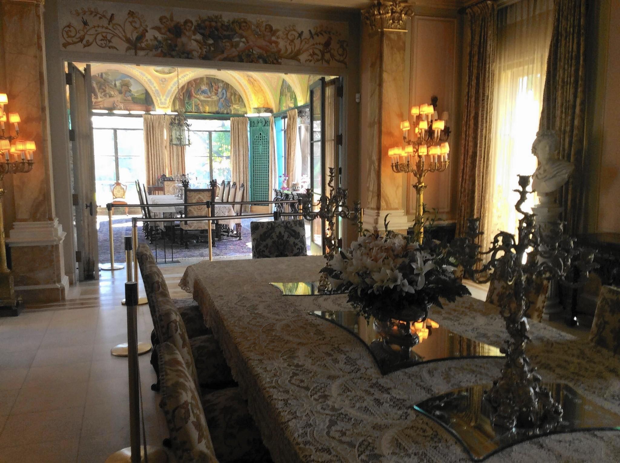 [Image: ct-lns-cuneo-mansion-restoration-st-1024-20161023]