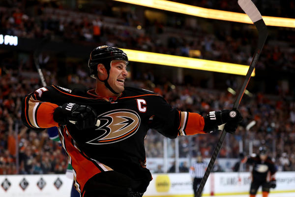 Ducks See Progress In 4-2 Home-opening Win Over Vancouver Canucks