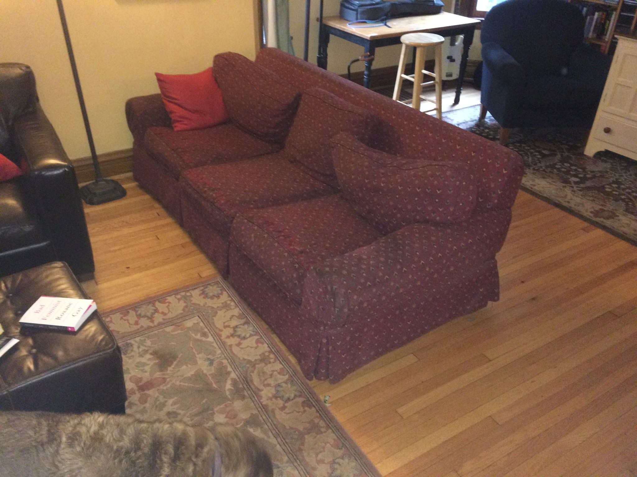 Getting Rid Of Old Sofa Getting Rid Of Old Furniture Cievi Home Thesofa