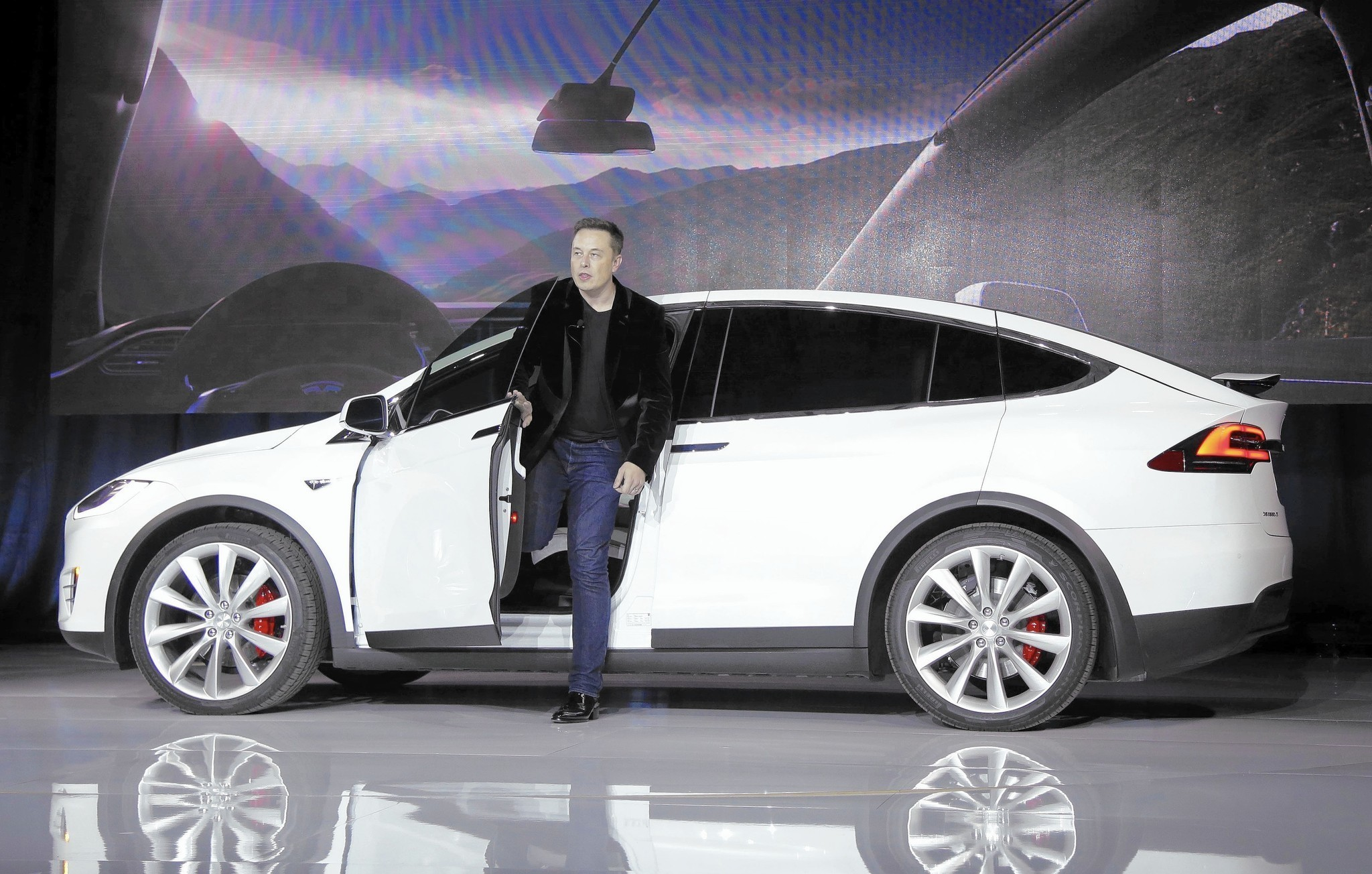 tesla once beloved by critics plummets in new consumer reports tesla once beloved by critics plummets in new consumer reports ranking chicago tribune