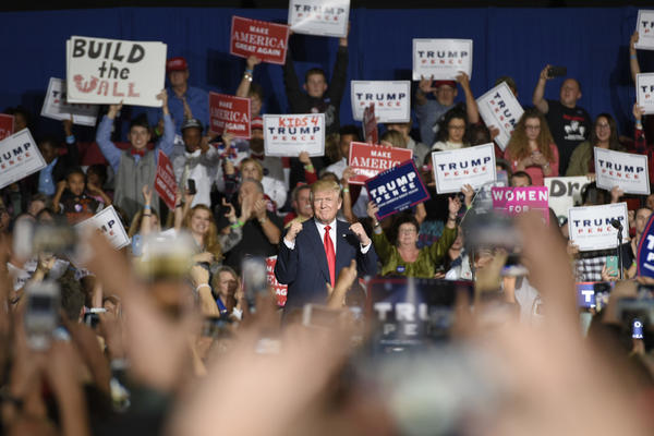 Donald Trump campaigns in Geneva, Ohio. (Dustin Franz / AFP-Getty Images)