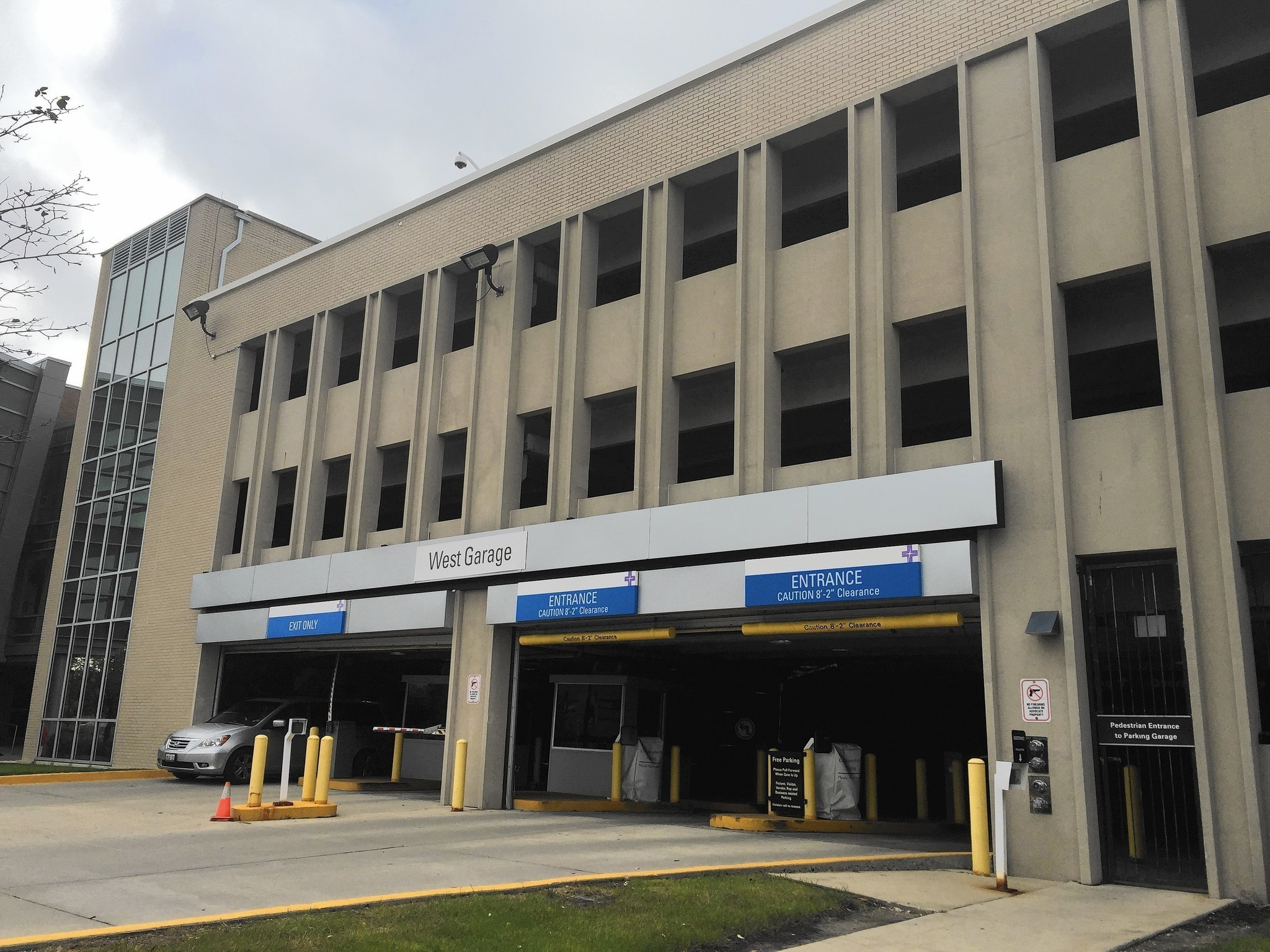 Advocate lutheran general hospital looks to expand parking for Park ridge building department