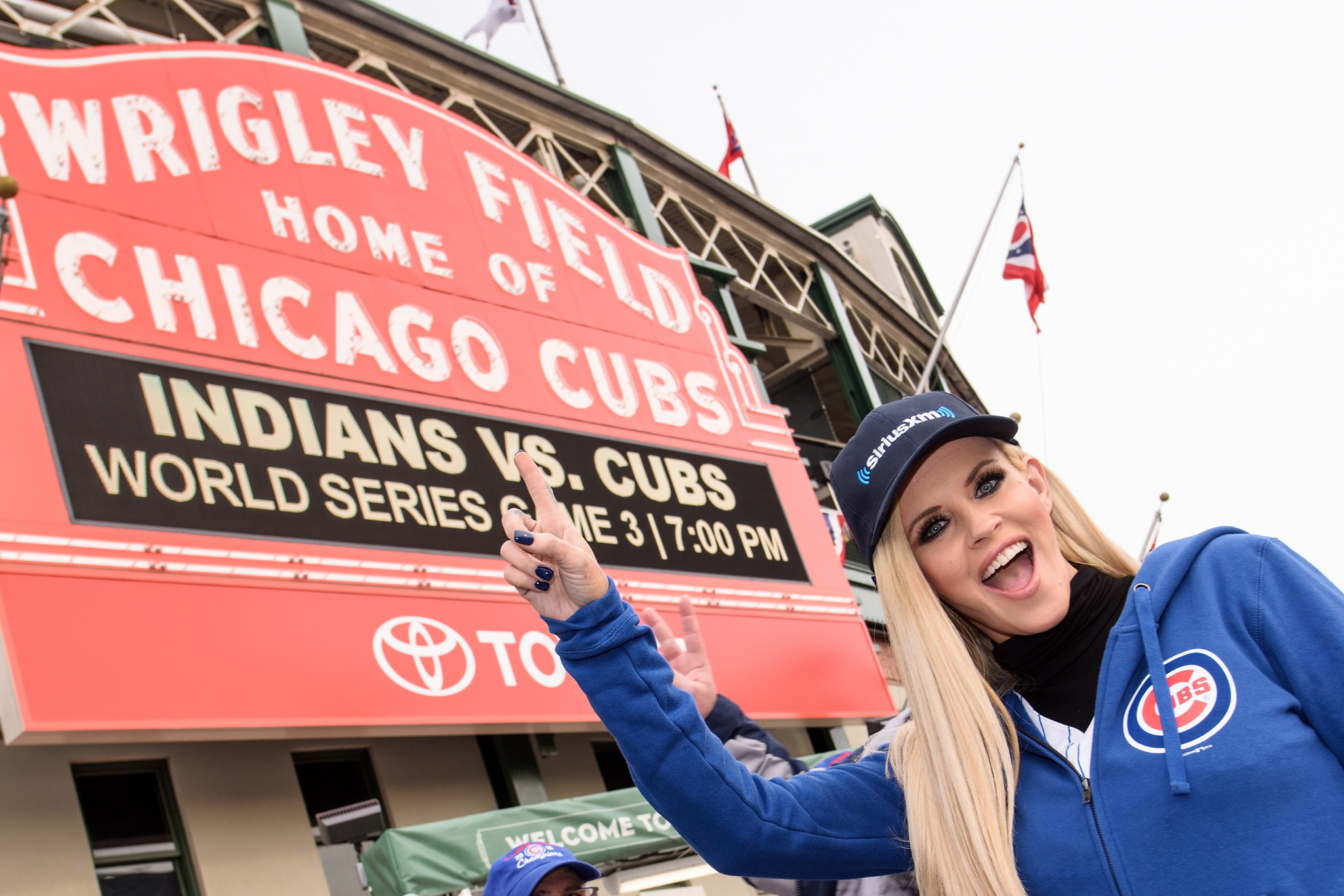 Jenny McCarthy now on the Cubs bandwagon - Chicago Tribune