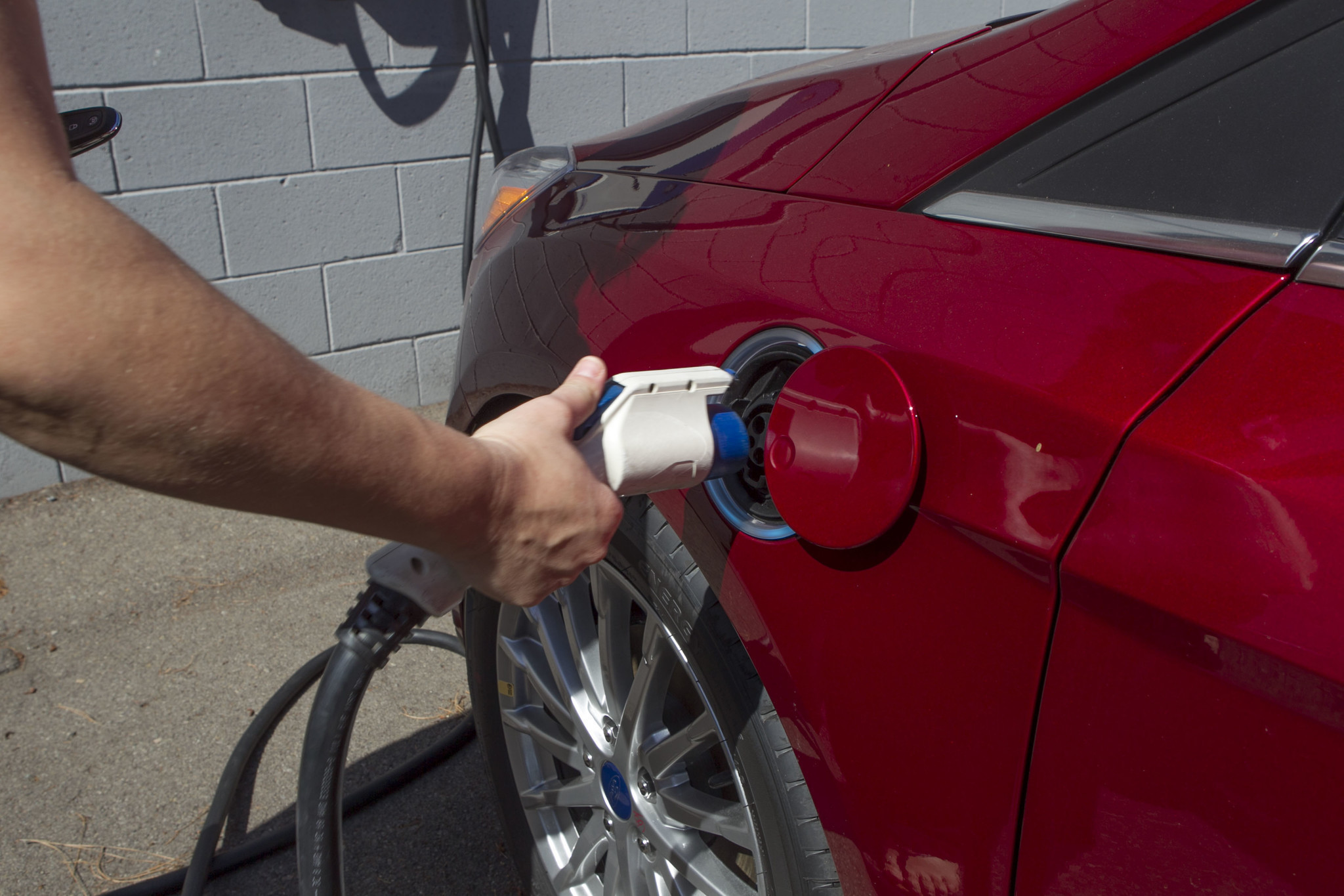 Hybrid Rebates California Tweaks Electric Car Rebates Will It Work The San