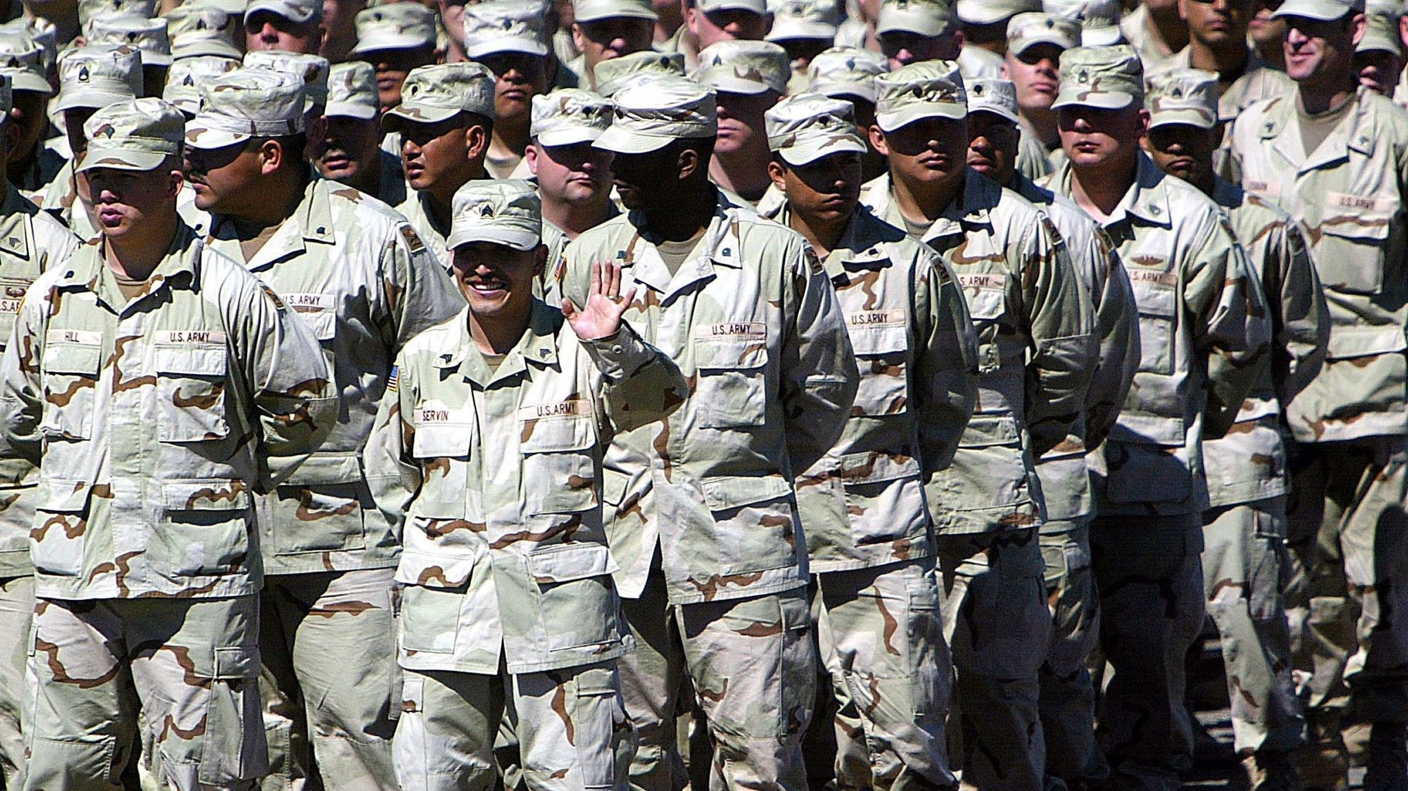 Thousands of California soldiers forced to repay enlistment bonuses a decade after going to war - LA Times