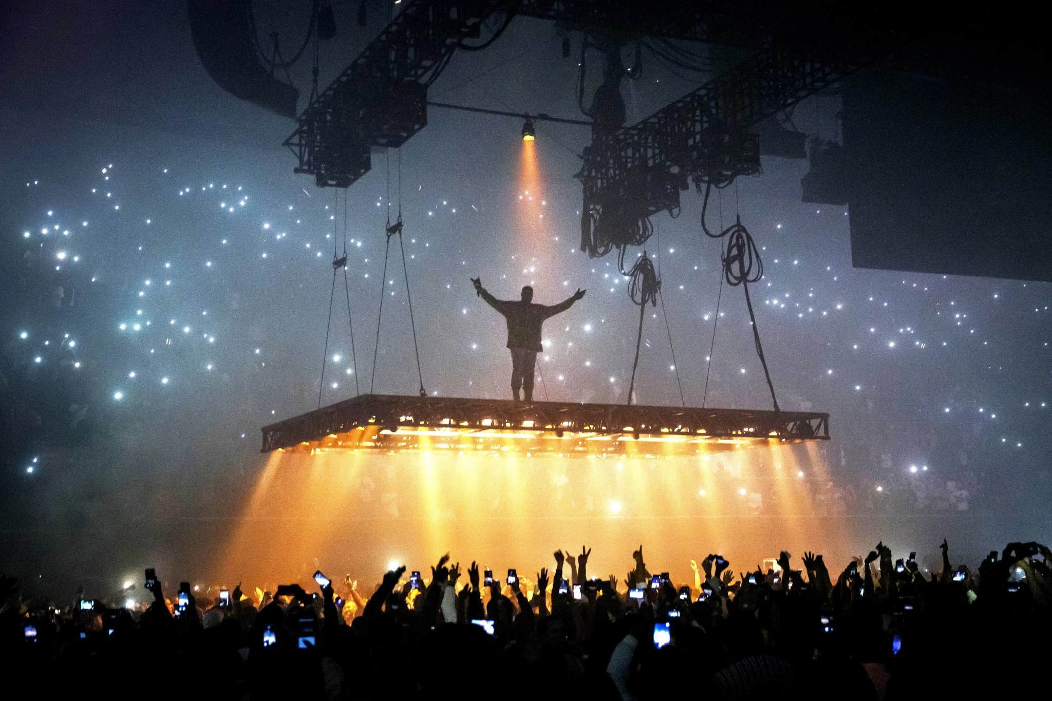 Home movies and high end T shirts 5 thoughts on Kanye Wests show